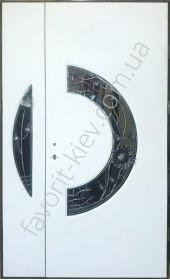 Полуторные двери со стеклом и ковкой, модель «Ретро» 2 мм. сталь,белого цвета, толщина полотна 80 мм
