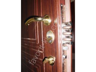 Бронированные двери «Фаворит»