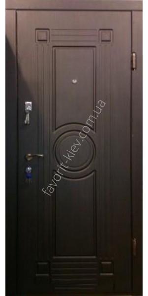 крупный завод металлических дверей