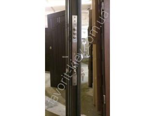 Сравнительная характеристика деревянных и металлических дверей