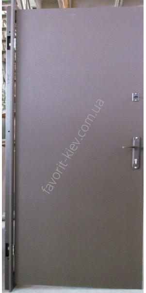 недорогие технические металлические двери
